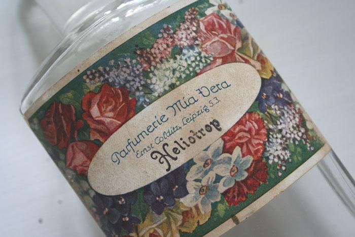 Apothekenflasche mit original Parfumlabel