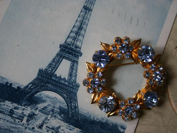 Antike Brosche Paris Bleu